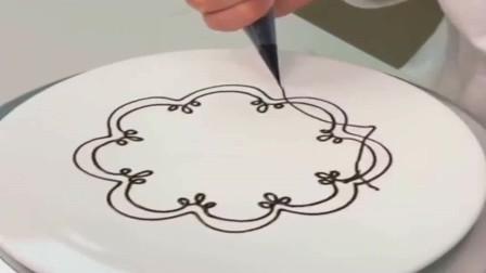 浙江学画画的大学生改行做蛋糕,第一天蛋糕就做成了这样,我还能教他