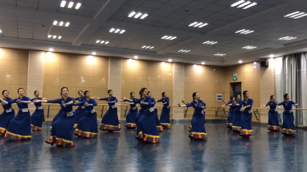 藏族舞蹈组合,几个基本舞步动作,看着简单但是养眼!