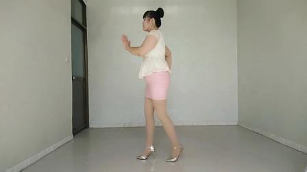 时尚广场舞《狐狸精》这么简单的舞,没有学不会的