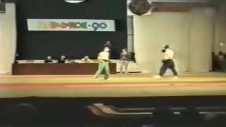 传说是中南海保镖和俄罗斯军人的散打视频,很短但很经典