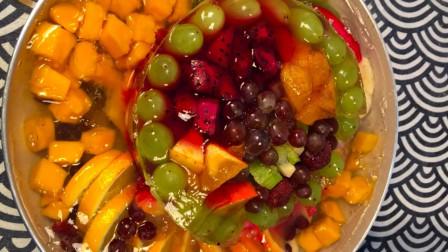教你用各种水果制作水果蛋糕,做法简单冰凉爽口,大人孩子都爱吃