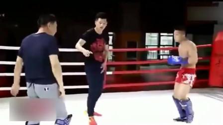 中国武术为什么打不了UFC,看看八卦掌和散打之间的对决吧