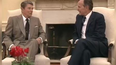 1988年11月9日,里根总统在白宫迎接当选总统乔治·布什