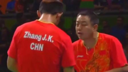 回顾赛事,面对发挥不佳的张继科,刘国梁心情很沉重,该如何赢下比赛呢?