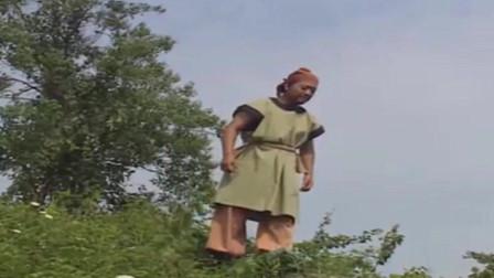 济公:华云龙被恶霸打断腿,济公给他喝一口酒,腿立马好了