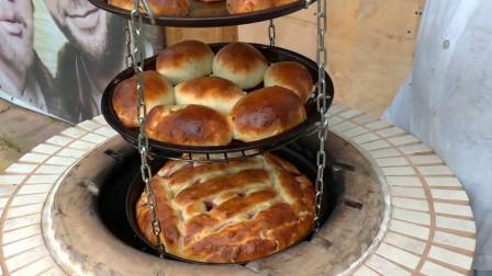 小伙擅长做烤面包,父母鼓励他在家门口卖,3元一个日收入1000元!