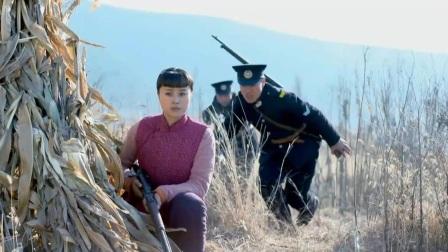 影视:民兵挖地道被发现,鬼子飞身扑过来,谁料半空中被一枪击毙
