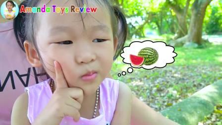美国儿童时尚,小萝莉想吃冰淇淋,妈妈用西瓜火龙果木瓜做水果冰淇淋造型给她吃