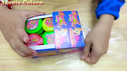 萌宝儿童时尚,小萌娃带面具不想吃棒棒糖,想吃泡泡糖
