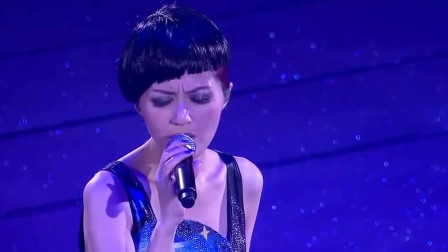 杨千嬅粤语经典《再见二丁目》,很有味道的一首歌,好听感人
