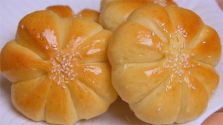 自制花朵豆沙小面包,奶香浓郁,做法简单,当作早餐,全家都喜欢