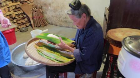 """女骑士长途摩旅来到贵州,苗族人民的""""粽子""""太特别了"""