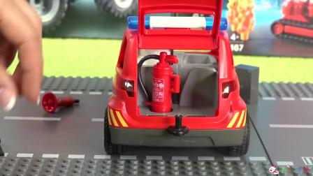 成长益智玩具,小跑车后备箱,摆放消防管道,运输安装过程!