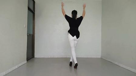 精彩演绎背面版《情歌美》舞姿轻盈柔美,歌曲意境优美,太养眼了