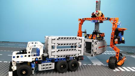 巨型码头工程车装卸集装箱卡车,乐高玩具故事