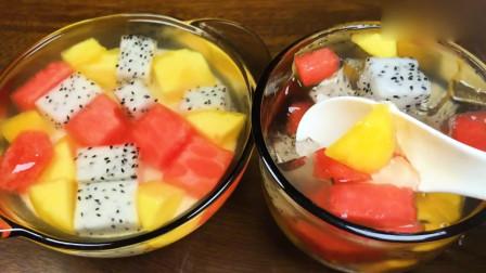 好吃好看又好玩的水果果冻杯,做法超级简单,大人小孩都爱吃