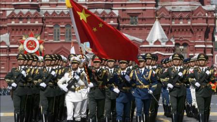 """不愧中国""""最帅男天团"""",解放军仪仗队再次亮相红场,表现很抢眼"""