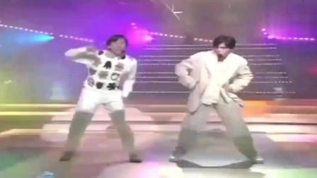 郭富城和谭咏麟同台尬舞,你们看谁更厉害