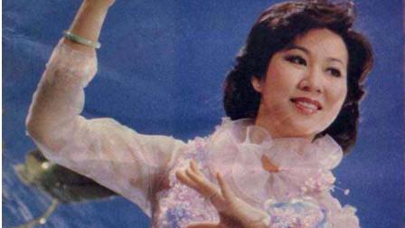 奚秀兰一曲《花儿为什么这样红》歌声柔美动人,百听不厌!