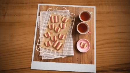 可爱心形草莓巧克力条纹饼干