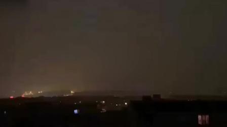 雷电大风暴雨冰雹一同来袭,哈尔滨白天秒变黑夜