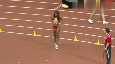 运动场上这个女人彻底火了,跳跃的那一刻现场掌声连连