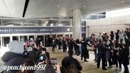 【BTS】190210 LAX 机场到达 将参加2019格莱美