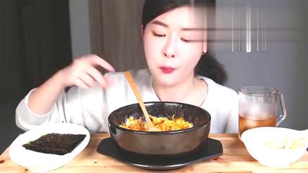 韩国吃播:金枪鱼芝士饭,煎蛋,紫菜,吃得真精致!