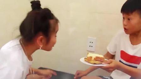 国外少儿时尚,小萝莉假装用熔岩烤面包片,你喜欢吗