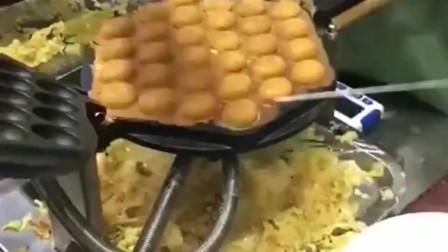 广东特色小吃,鸡蛋仔,小锅一翻精华全剪掉了,那些边角料能送给我吗?