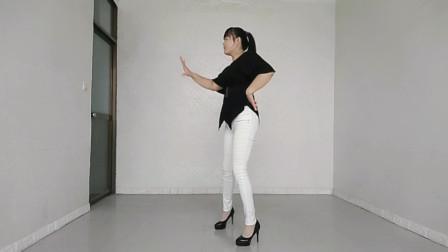 网红流行广场舞《不浪漫的罪》舞姿新潮现代,火爆好看又健身