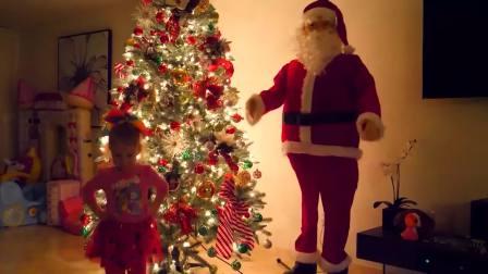 国外儿童时尚,萌宝装饰圣诞树还有漂亮的南瓜灯车,好玩极了