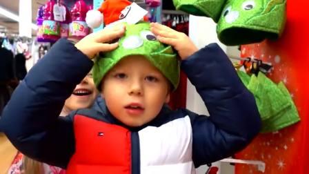 国外少儿时尚,小正太和小萝莉去购买圣诞节礼物,太搞怪了