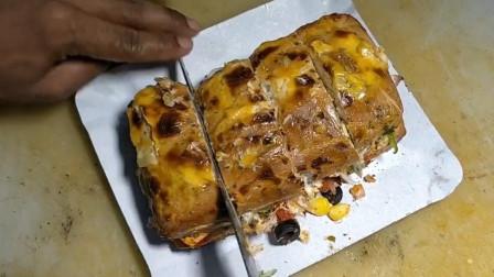 印度的三明治制作过程很讲究,酱料丰富,造型别致
