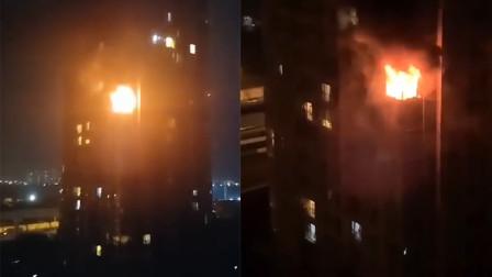 警方通报:成都男子纵火后跳楼身亡 前妻火灾中遇害