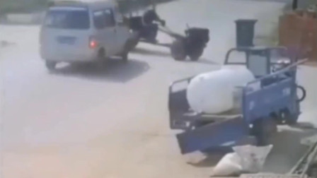 监控:拖拉机人车分离,监控拍下全过程