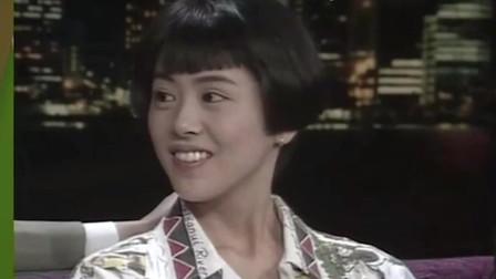 小泉今日子:日本女星参加了香港综艺,不料俩主持人全程用广东话,跟她聊人生
