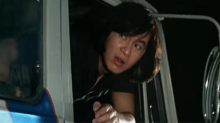 半斤八两:劫匪逃跑中圈套,上了阿杰的冰激凌车,差点被冻成冰棍