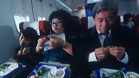 员工一家人和老板去国外,没想飞机经济舱和头等舱的差别这么大