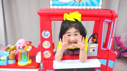 国外少儿时尚,小萝莉和叔叔玩餐车游戏做披萨,萌宝们真搞怪