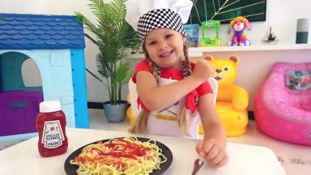 国外少儿时尚,小萝莉假装玩厨房玩具做饭,好开心呀