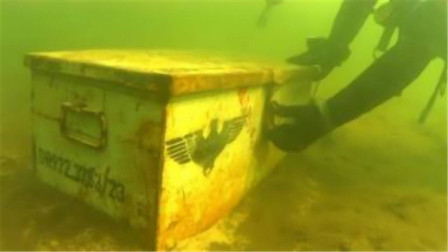 农村小伙水下寻宝,发现了一个宝箱,打开后直呼:发财了