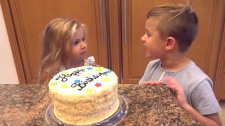 国外少儿时尚,小萝莉小正太给爸爸制作生日蛋糕,看起来真开心呀