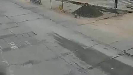 监控:好无辜的水泥罐车,幸亏有监控,不然司机绝对说不清