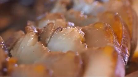 柚子皮蒸腊肉,选用马家柚皮调和腊肉的烟熏味,形成当地独特风味