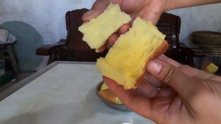 农村妈妈自制电饭锅蛋糕做早餐,做法简单,口感松软不变形