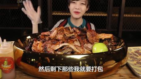 大胃王mini吃海鲜鳗鱼饭,日式烤五花肉真香啊