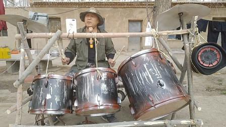 """最近新疆棉花哥火了!70岁""""疯老头""""玩摇滚,网友:农村出大神!"""