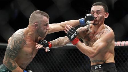"【UFC冠军战】""机枪""与""战车""!霍洛威 VS 沃尔卡诺夫斯基 一番战"