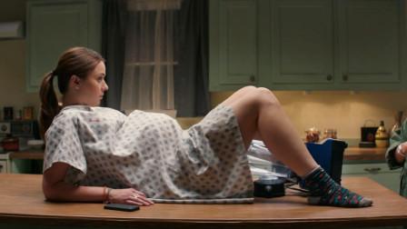 速看搞笑电影《掠夺者》,妹子和男友5秒钟就怀孕,生出一只怪物